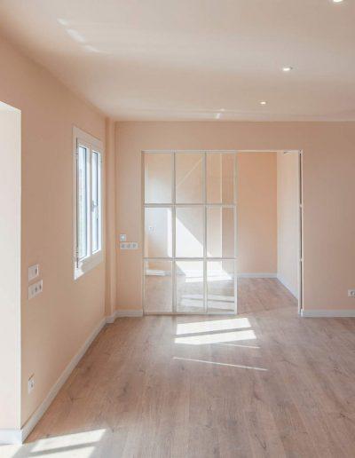salon de local convertido en vivienda